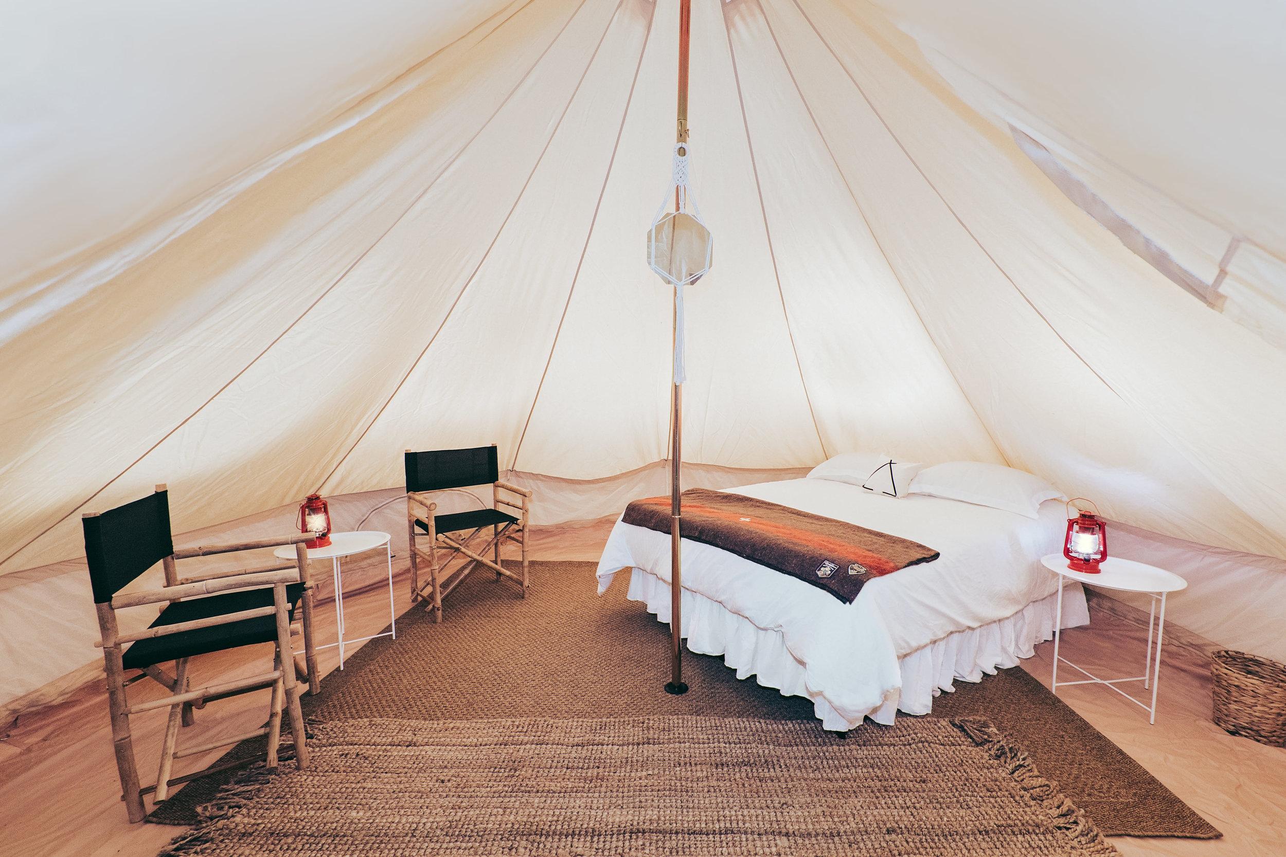queen bed bell tent set-up