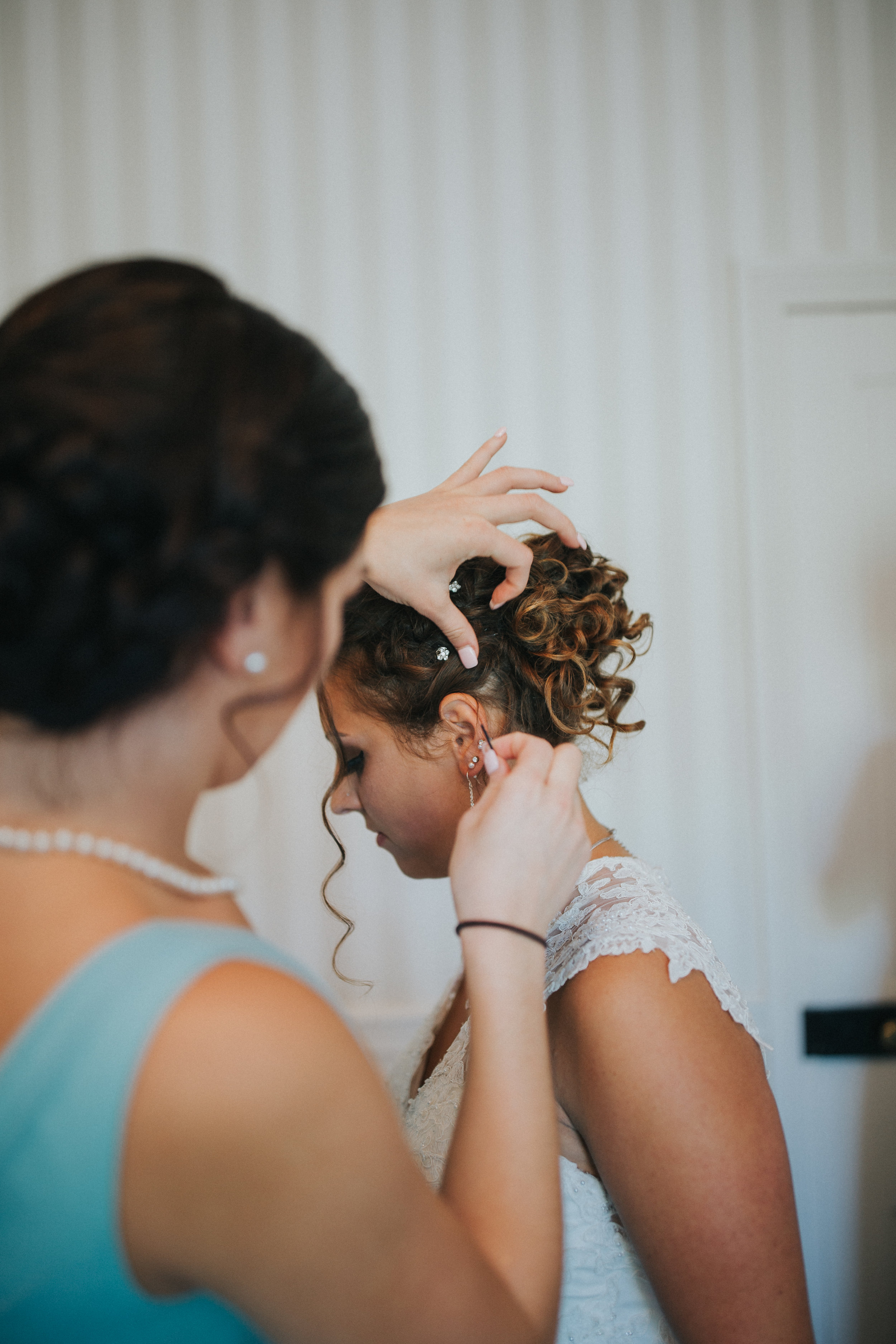 wedding-morning-farm-bridesmaids