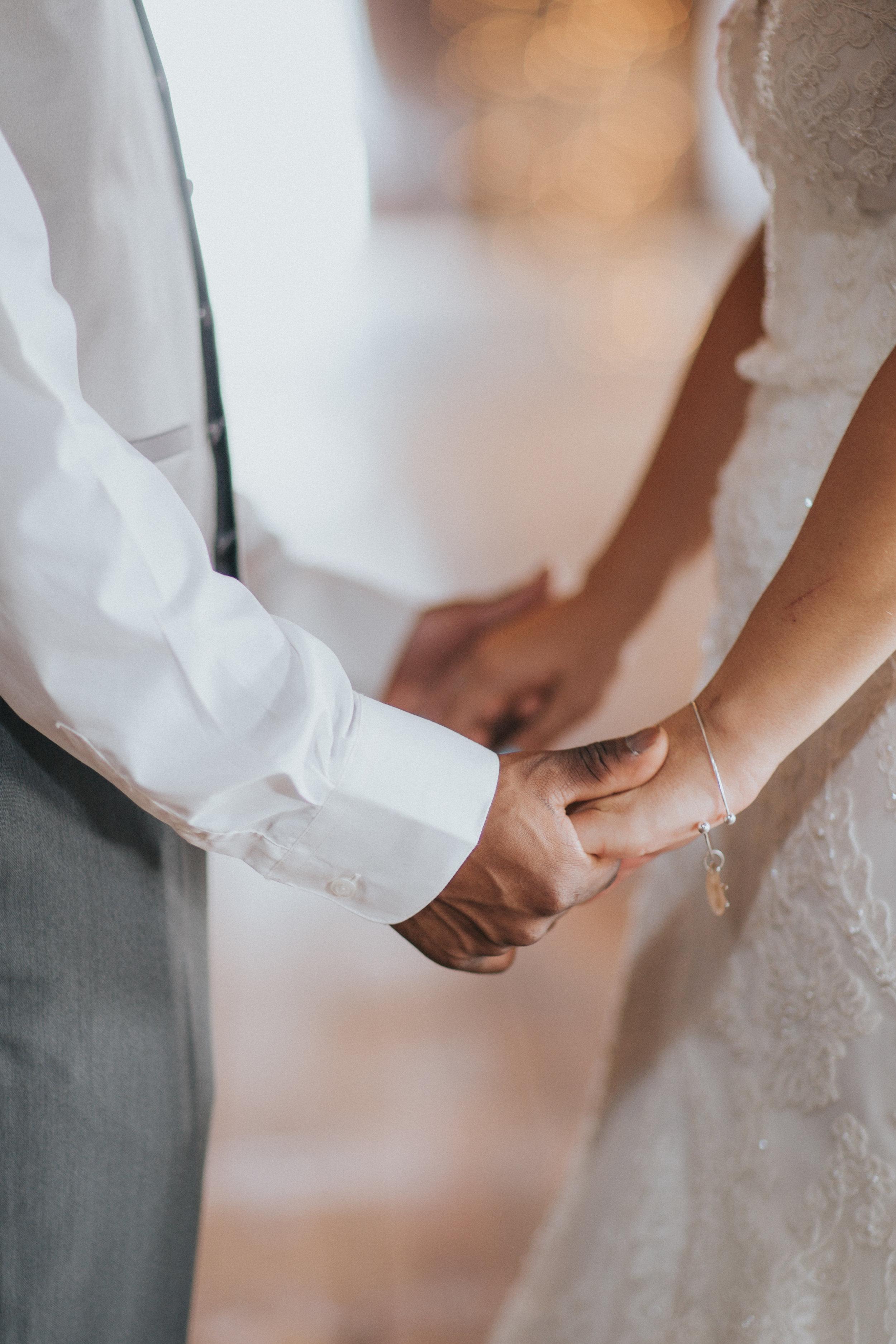 wedding-bernfarm-couple