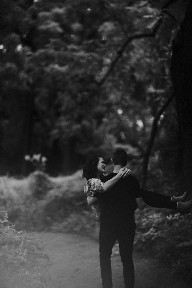 film-couple-path