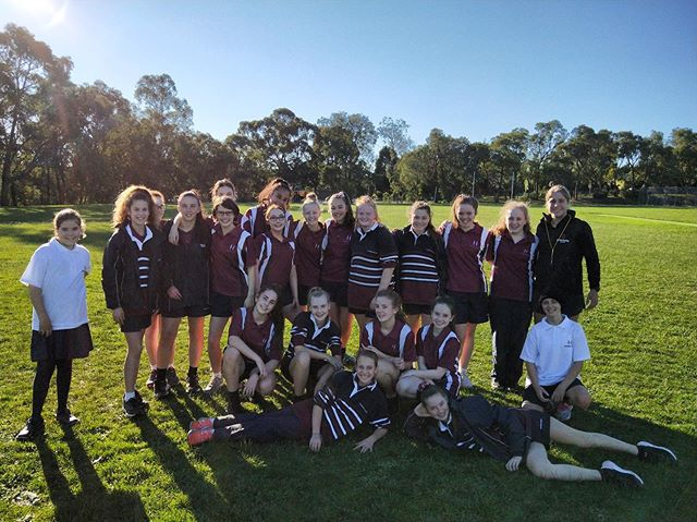 Congratulations to all girls who participated in the Heathmont College Year 7Discover program. Over the three sessions the girls developed their football fundamentals including kicking, hand balling, ground balls, marking and tackling. Also, the sessions focused on developing basic game sense of how to create and use space and transitioning form offence and defence. It was great to see each girl improve their football and have lots of fun🌟🏈
