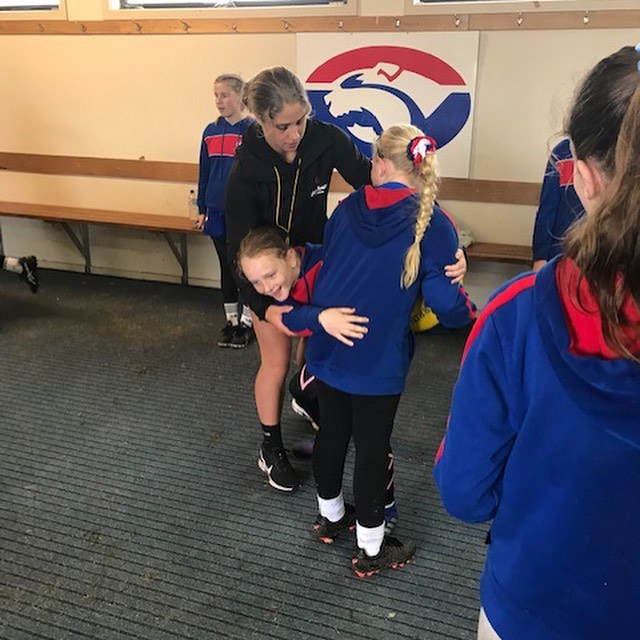 Yesterday's holiday program at @morningtonjfc 🏉 The junior girls spent the day learning off our head coach @smitty013 from @melbourneaflw and @karaa_h from @hawthornfc. It was great to see such passionate young footballers, good luck for the rest of the season @morningtonjfc