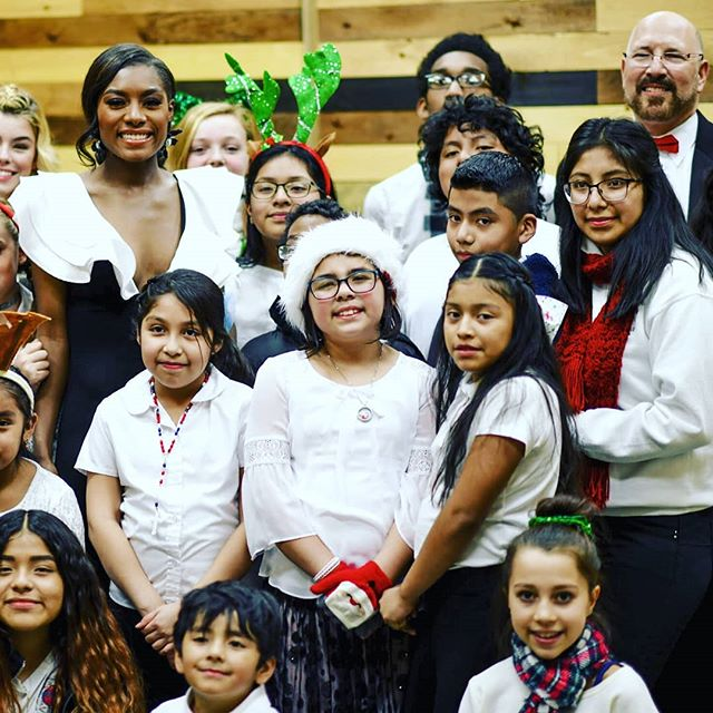 We were honored to have Miss America Organization 2019 winner Nia Franklin join us and our special children's choir on the 8th in Vineland! Here they are along with music director Jed Gaylin. It was a wonderful way to ring in the Holiday season! #classicalmusic #happyholidays #merrychristmas #missamerica #southjersey