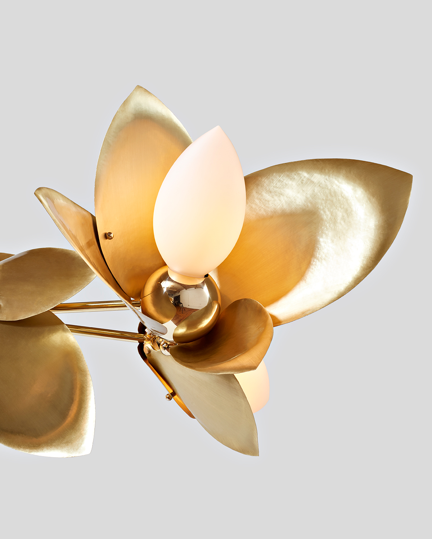 Laurel-Blossom_09-Chandelier_Brass_04.web.jpg