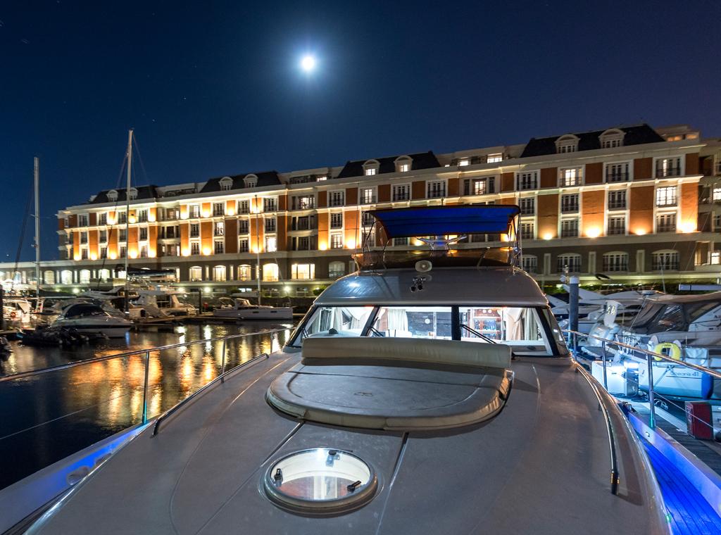 luxury-yacht-charter-overnight-charter-cape-town