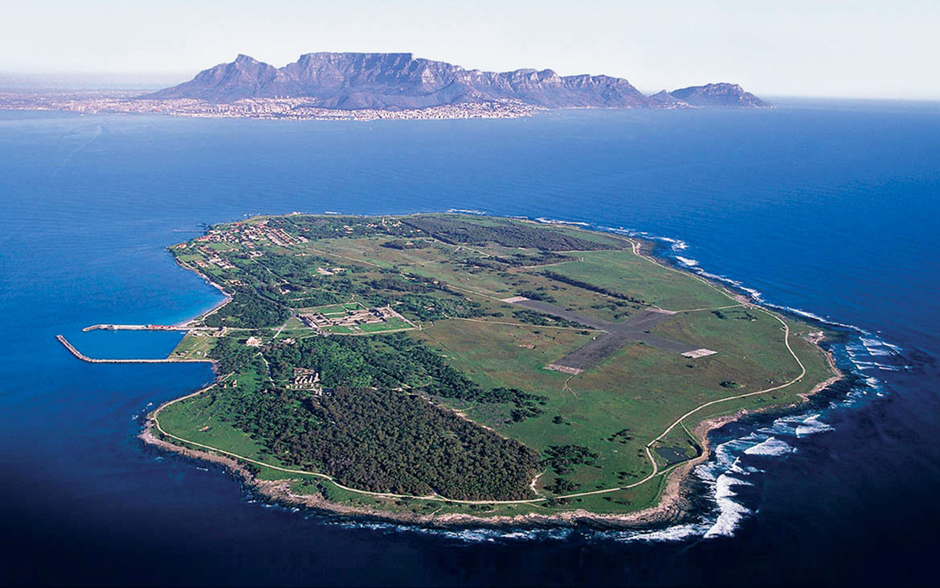 Private Robben Island Charter - Exclusive 3 hour Charter trip around Robben Island.R42,000 excl. VAT- Full Crew & Stewardess - Luxury Chauffeur Service- Complimentary Drinks: local beers, wines, sparkling wines & soft drinks.