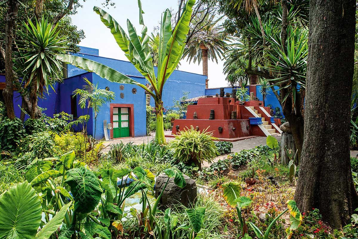 Frida-Kahlo-Casa-Azul-in-Coyoacan-Mexico-Yellowtrace-09.jpg
