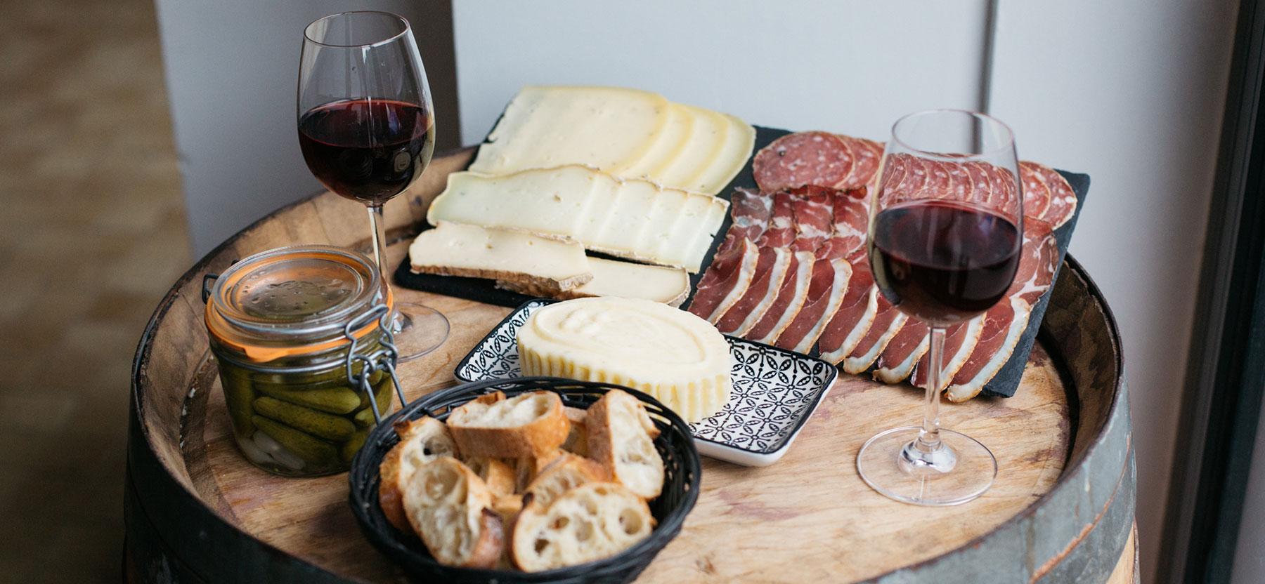Le_Comptoir_du_Canal_2018_Wine_Cheese_Meat_Banner_3.jpg
