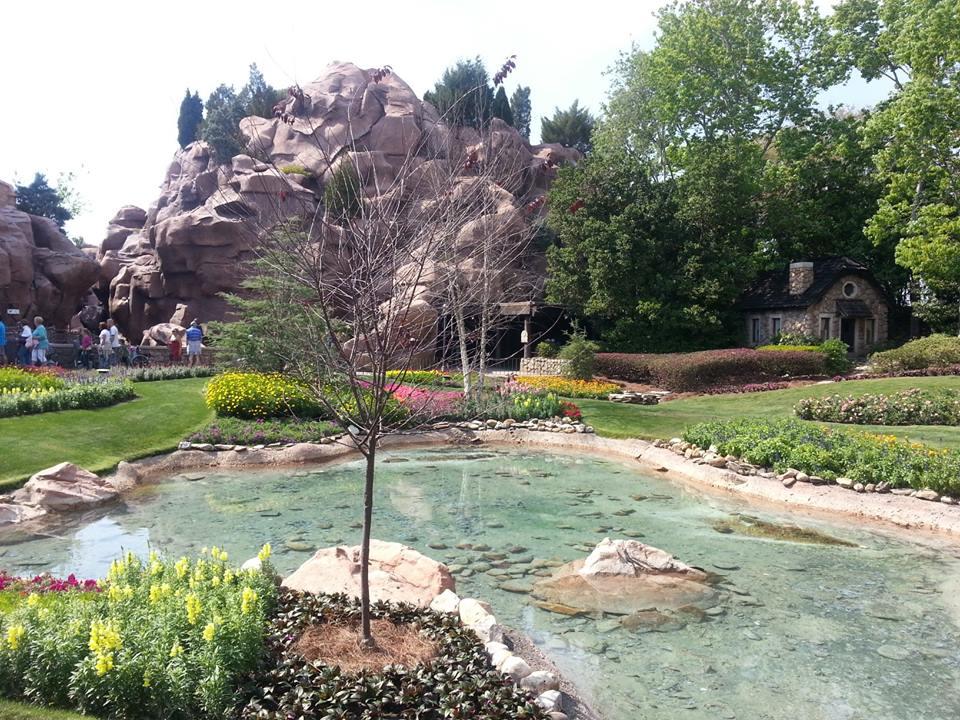 Victoria Gardens, Canada, World Showcase, EPCOT