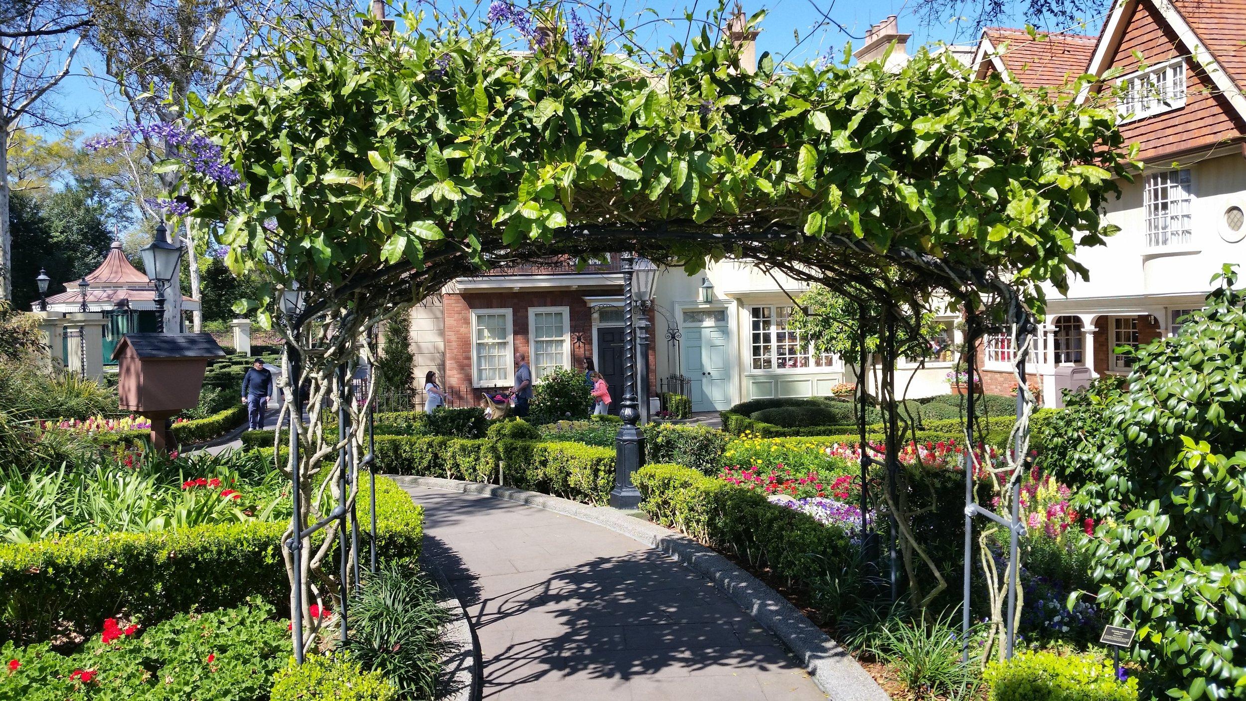 Shakespeare Garden, United Kingdom, World Showcase, EPCOT