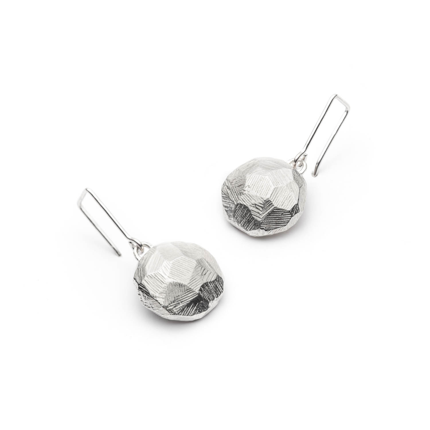 geometric silver dangling earrings from Texture line