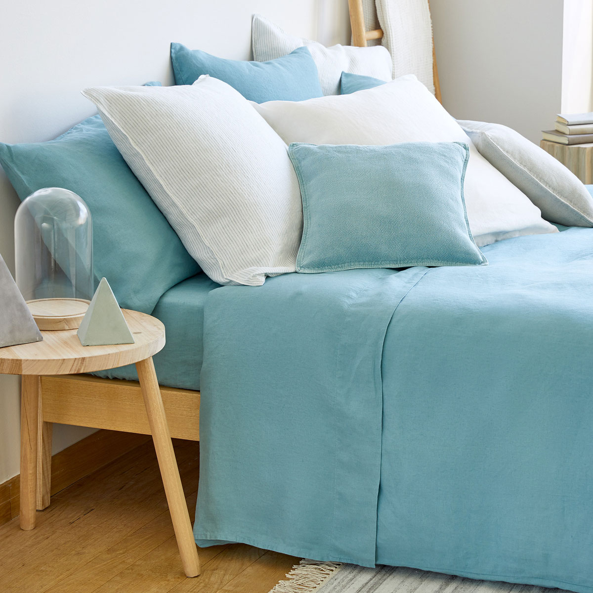 Zara Home - Zara Home houses a range of washed linen amongst their extensive bedding collection that is affordable as well as being great quality. Opt for the neutral colour tones or make more of a statement with the turquoise blue options that evokes sunny Greek islands. More unusual linen sets featuring stripes or contrasting trims can also be found amongst their collection. Keep an eye out for their SS17 linen tableware collection too! Prices start at £69.99.www.zarahome.com