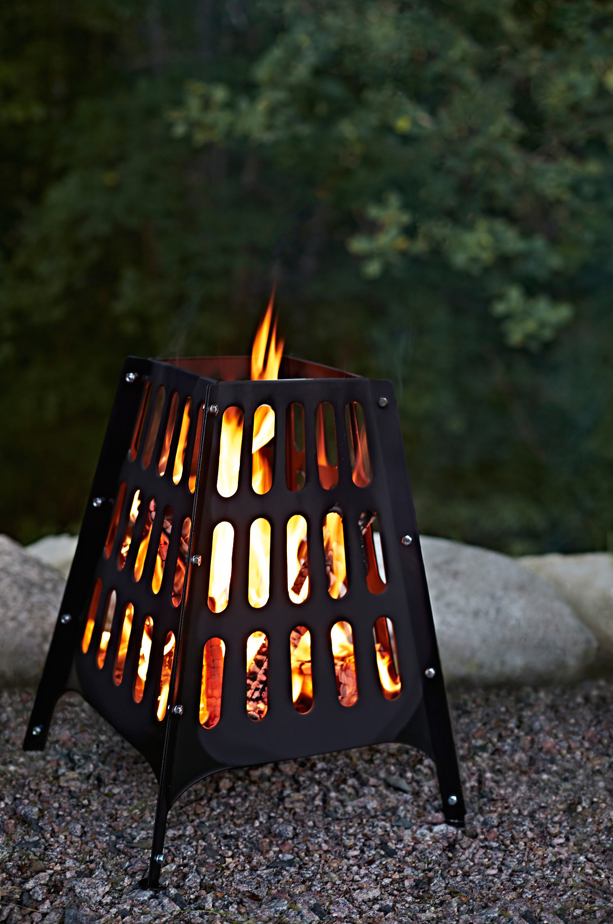 For the hands-on Dad why not get him this on-trend fire basket, so he can escape to the garden and light fires till his heart's content?! -