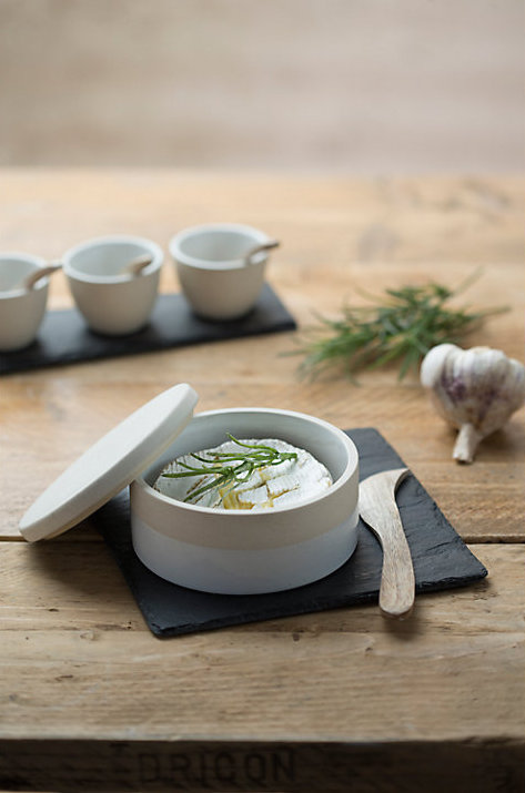 If your dad loves a cheese plate, look no further for your gift than this stunning cheese stoneware from Just Slate! -