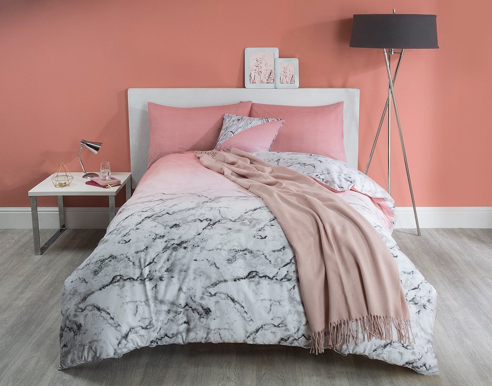 marble-pink-front-with-accessories-landscape.jpg