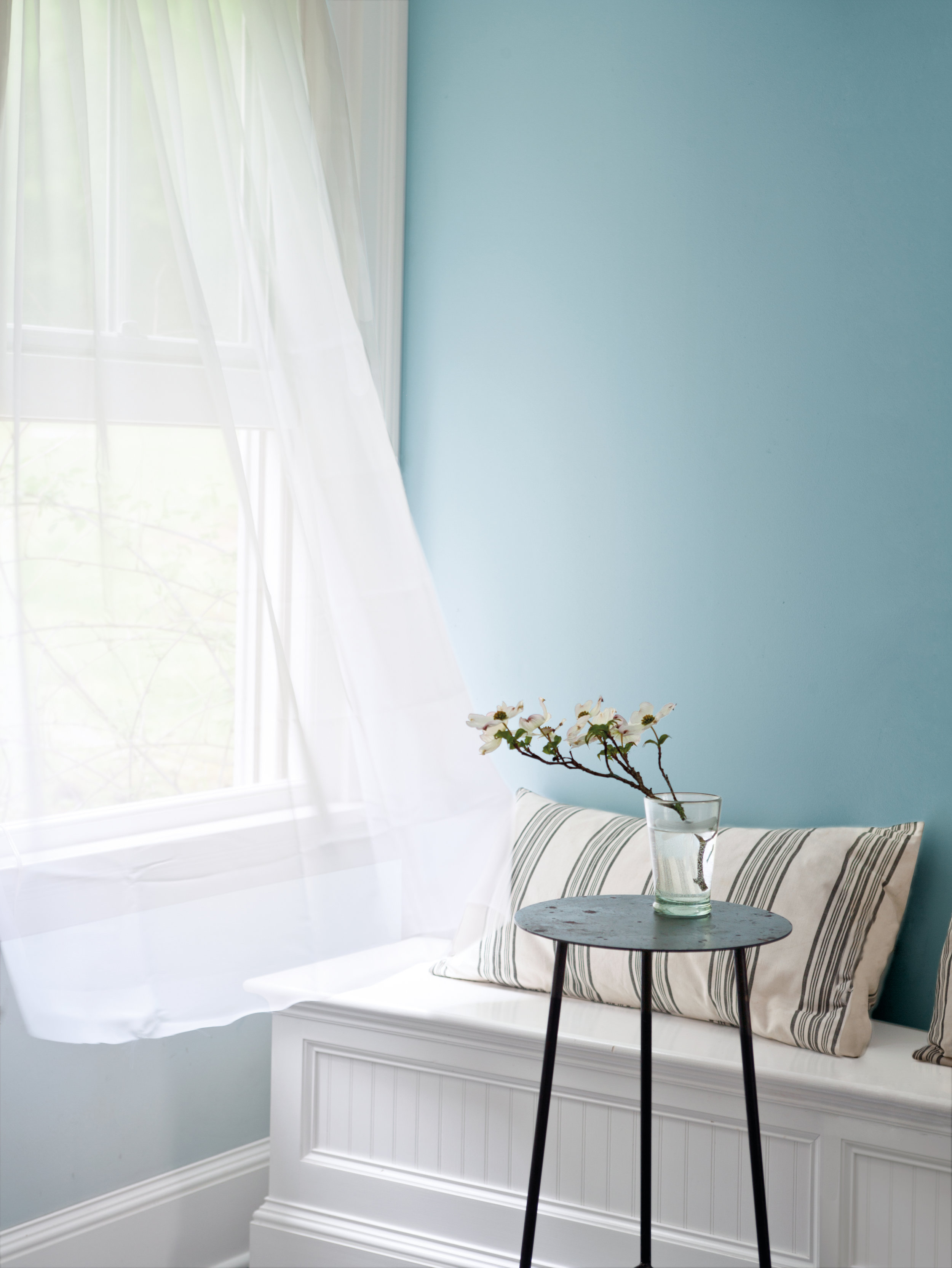 A Fresh Look - We all love redecorating our spaces; a fresh lick of paint in a bright new colour can transform a room from drab to fab in an instant. The Natura collection from Benjamin Moore now means you can paint with a clear conscience. Its slogan, 'Green without Compromise®' sums up the range perfectly - these non-toxic paints are emission-free in their production and are asthma and allergy friendly, making them the ideal choice for eco-loving home decorators.