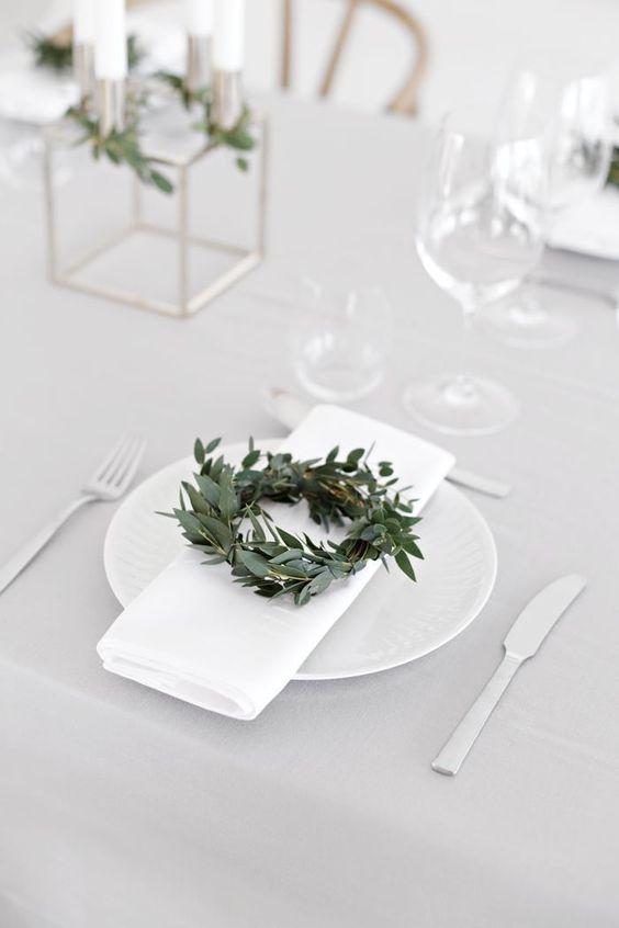 olive wreath napkin.jpg