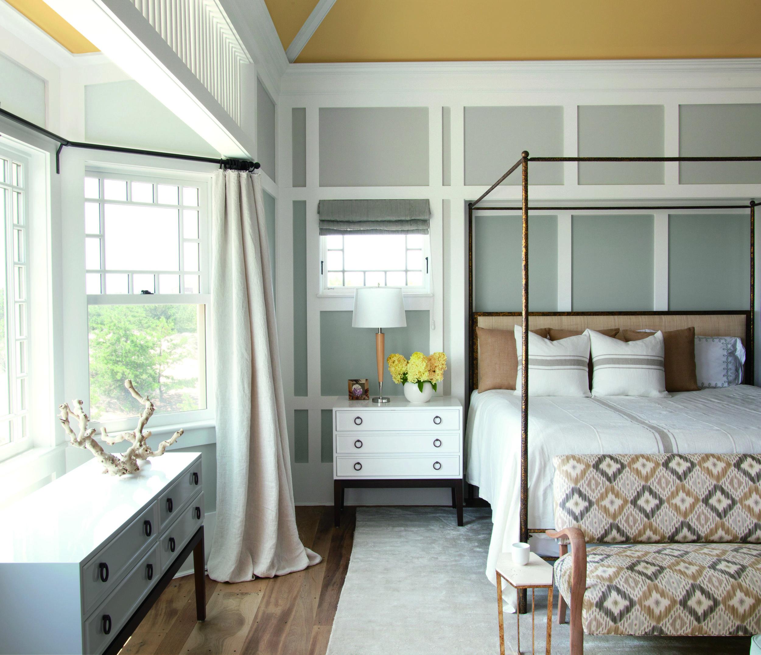 Bedroom_Lower Wall Colour_Metropolitan (AF-690)_Upper Wall Colour_Barren Plain (2111-60)_Ceiling Colour_Concord Ivory (HC-12).jpg