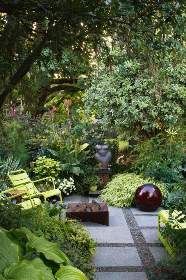 p002_FRONTIS_Artist-nude-figure-in-the-garden_2104.jpg