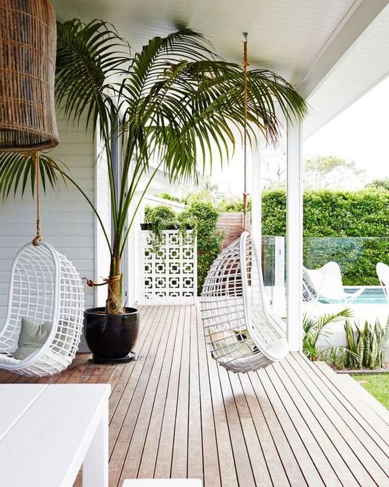 White Hanging Egg Chair.jpg