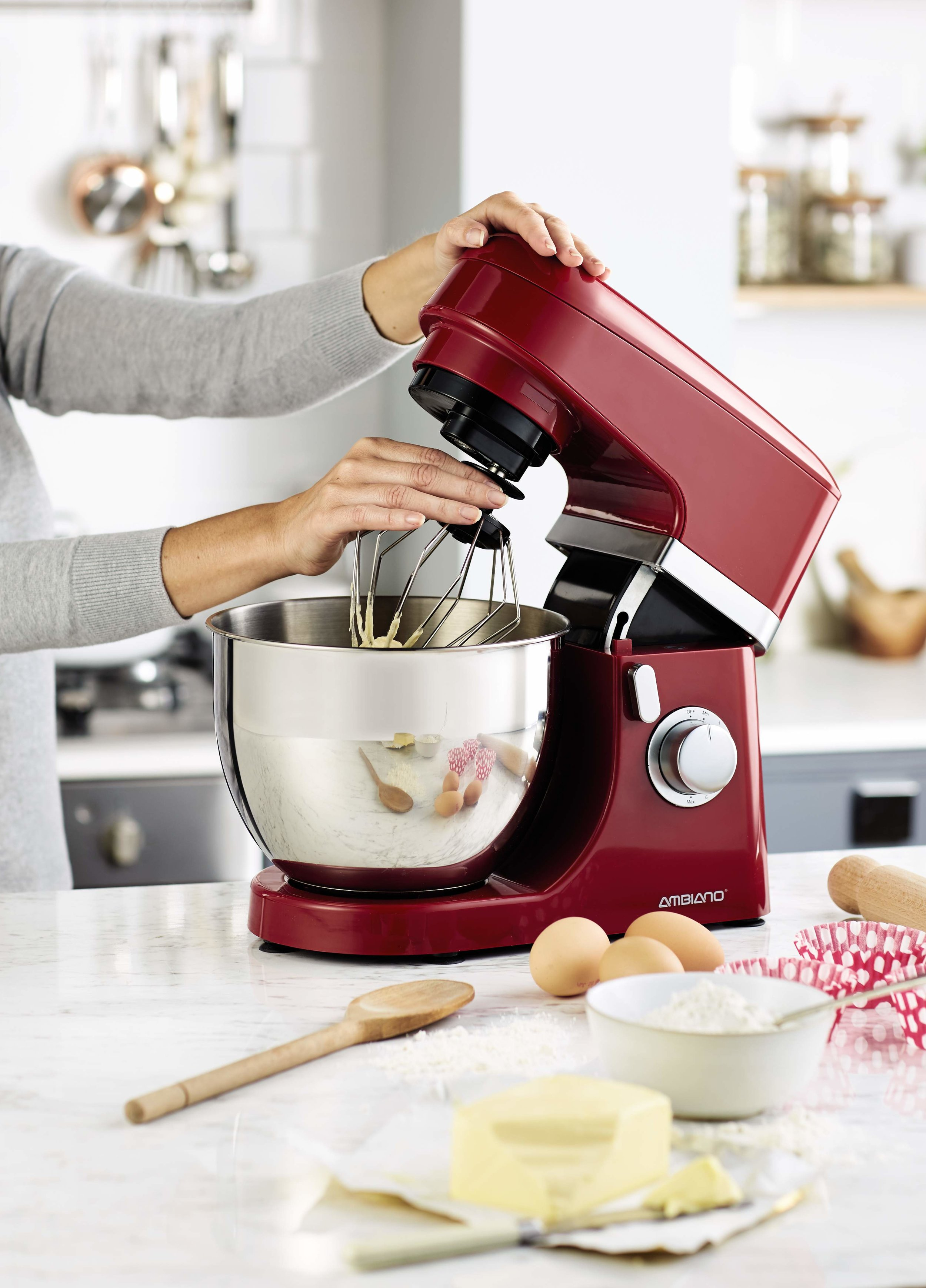- Thanks to our favourite supermarket Aldi, you won't have to break the bank to be in with a chance of becoming star baker. The company has launched its very own stand mixer for 1/10th of the cost. That's right, bake off glory can be yours for the bargain price of £49.99. Available in red and cream, this mixer is perfect for any novice bakers out there who want to bring a slice of the Great British Bake Off into their homes.