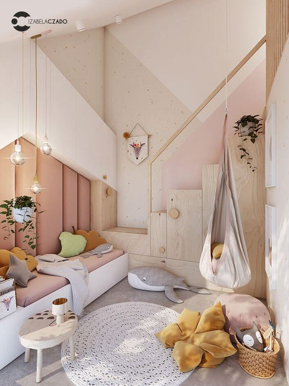 20. Geometric Kids Rooms - It's no surprise that the popular geometric trend has made its way into kids' bedrooms. The pattern integrates well with any pre-existing interior design scheme and offers a wonderful mix of playful and chic – ideal for anyone looking to keep their children's rooms relatively neutral.