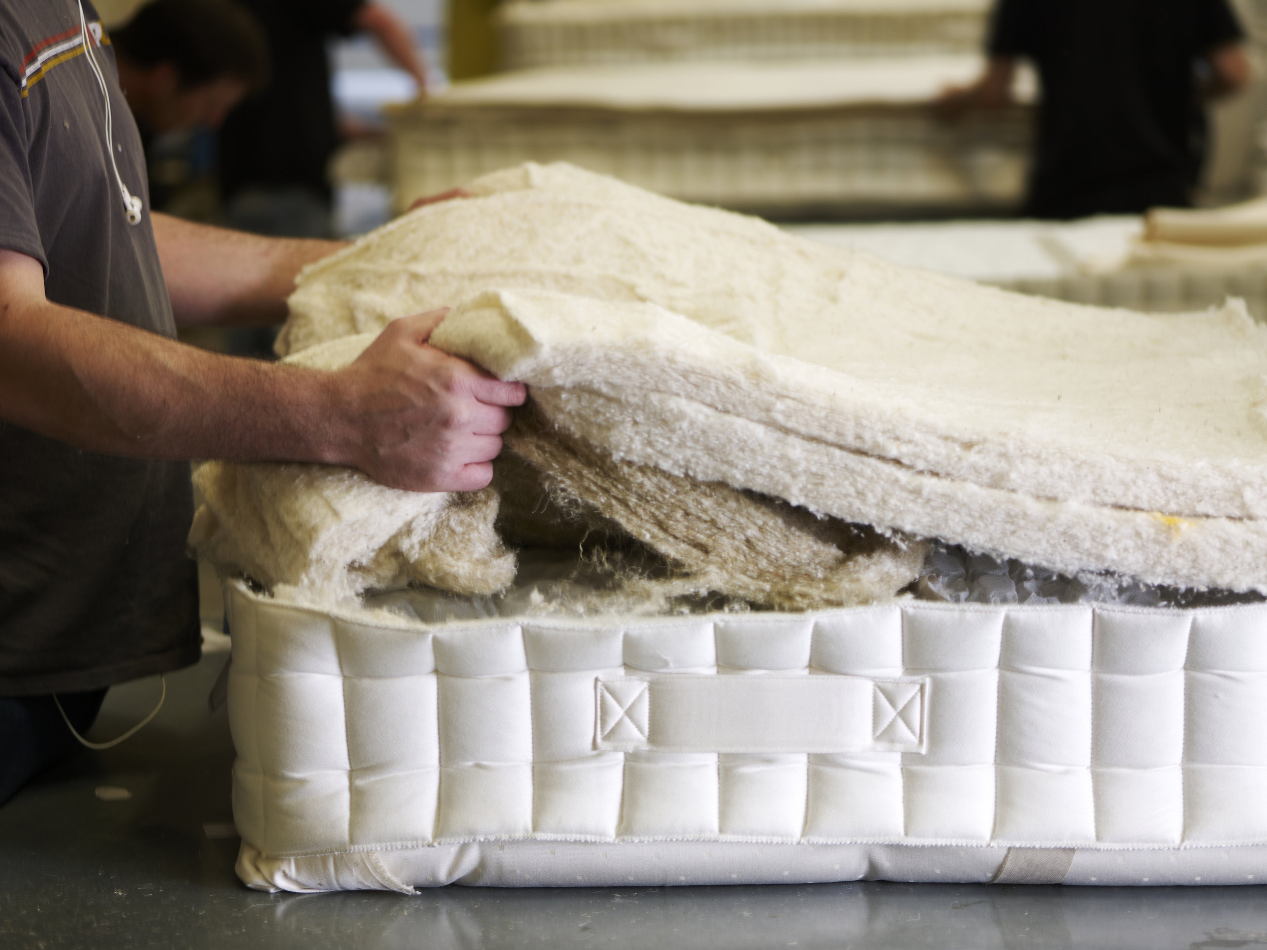 100% natural fillings 0% foam mattresses - From growing time on the farm to hand-finished perfection, hundreds of hours go into creating each and every one of Button & Sprung's homegrown, handmade mattresses – an incredible 525,600 hours of TLC to be precise!