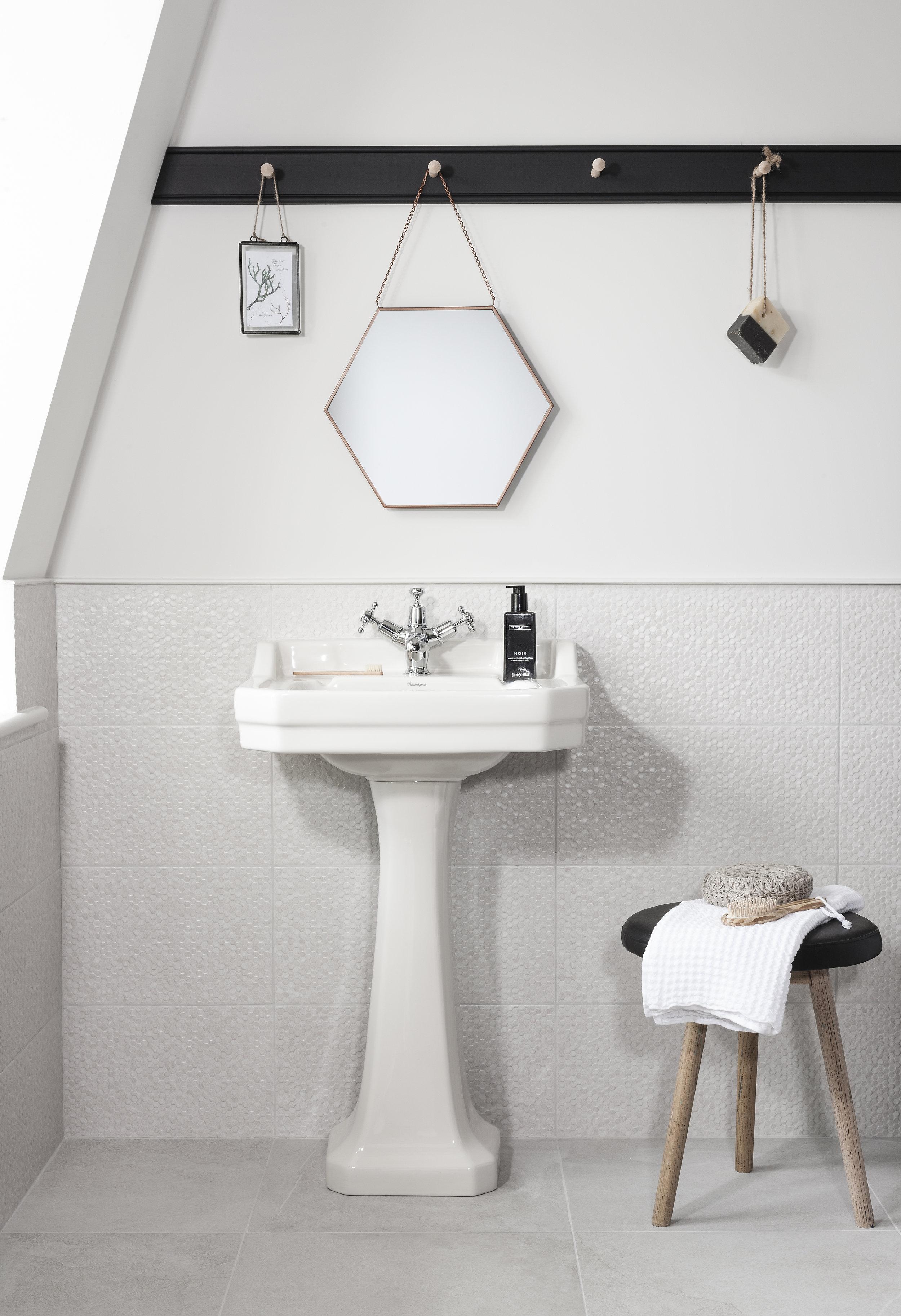 Cliveden White A.jpg
