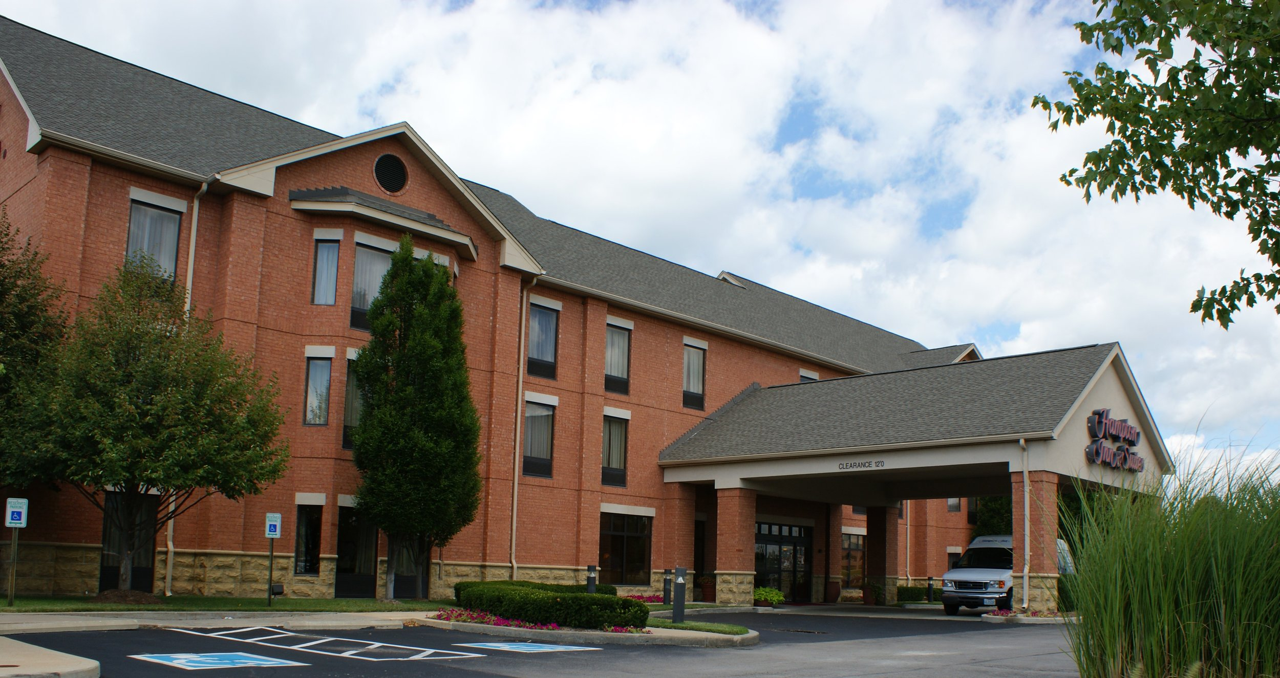 Hampton Inn & Suites- Chesterfield