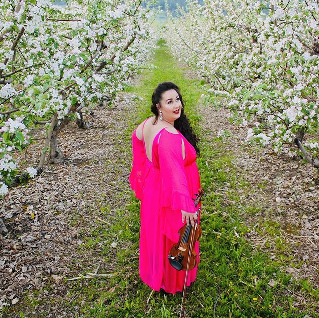 Well it's been a while since my days of studio portrait photography. My talented musician sister in law  graciously agreed to be my subject for some outdoor shots and I love the contrast of her dress in the beautiful apple blossoms. It's a mixture of whimsy and old Hollywood. I can't wait to take more photos for people in this beautiful paradise of Canada where I get to live! @divavelle thanks to Julie for letting use her apple orchard and assisting with the light reflector