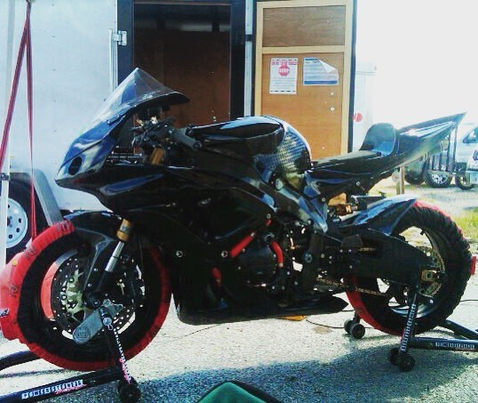 "Que Whitney Houston ""I will always love you"". Miss this cbr1000rr.  Full ohlins, Bazzaz tc/qs, some hrc jsb goodies, full arata system, and loads of carbon fiber."