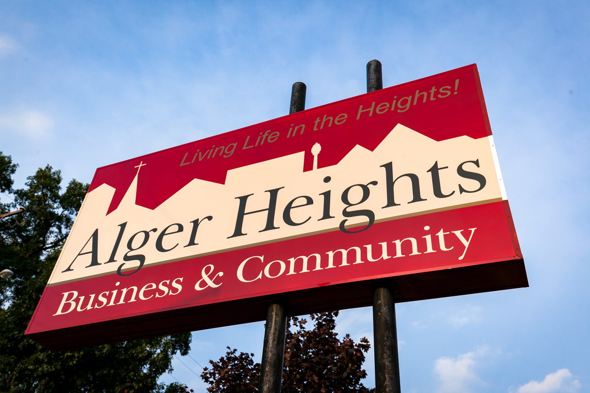 Alger Heights   Alger Heights is a quaint family friendly Grand Rapids neighborhood that boasts an appealing variety of small businesses from breakfast to hardware, banking to fresh market, deli to public library, and many professional services in between. Known for charming homes, lush parks, and a number of special annual events; Alger Heights is a picture perfect neighborhood. It's simply a wonderful place to live and visit.
