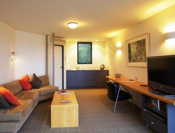 freycinet-accommodation-colesbay-2.jpg