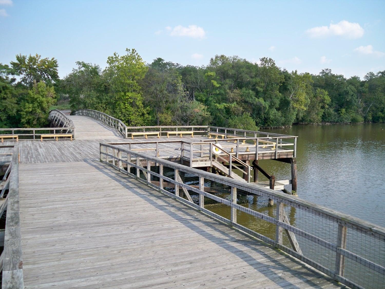 The boardwalk to Kingman Island.