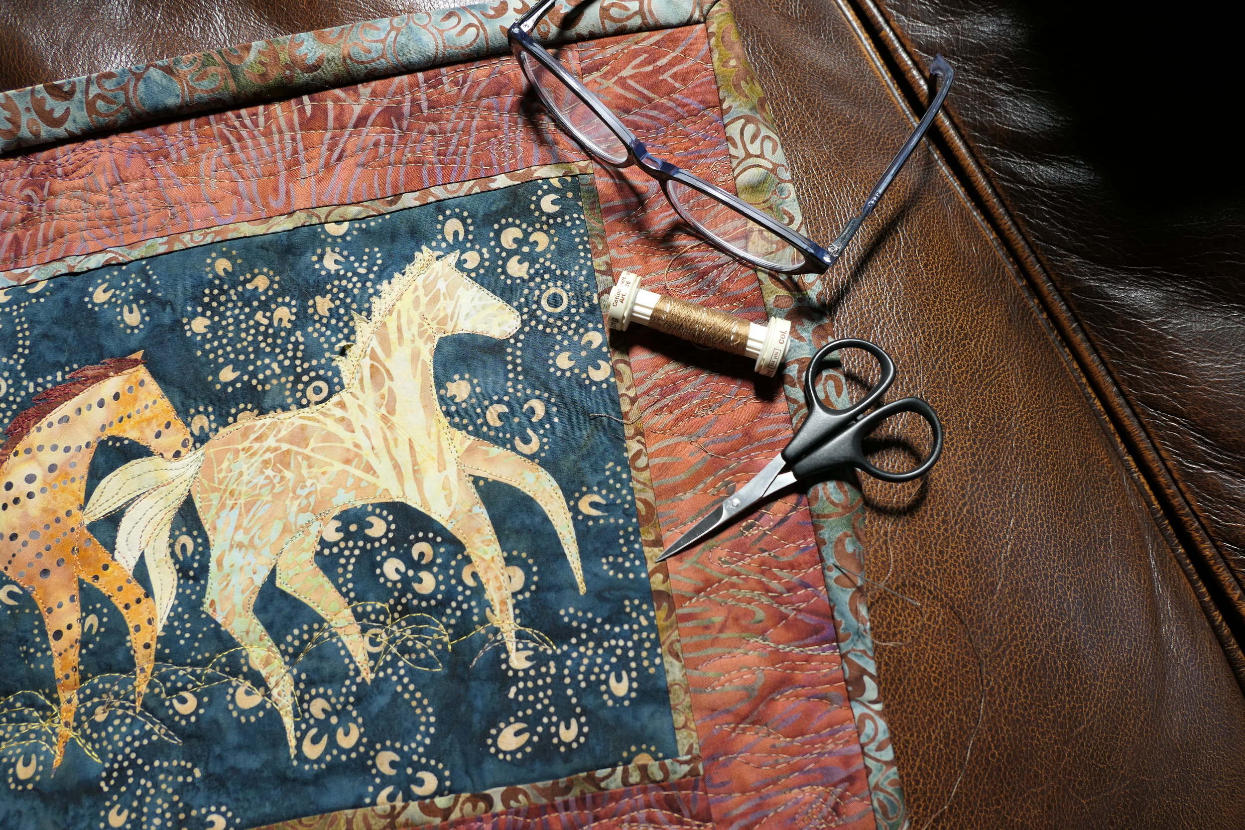 Download QuiltSunriver's first free project pattern! Our Sunriver Stampede Table Runner reflects the excitement of the Sunriver Stables herd as they thunder across their pasture every day during the warmer months of the year, just one of the many things to enjoy during your QuiltSunriver retreat!