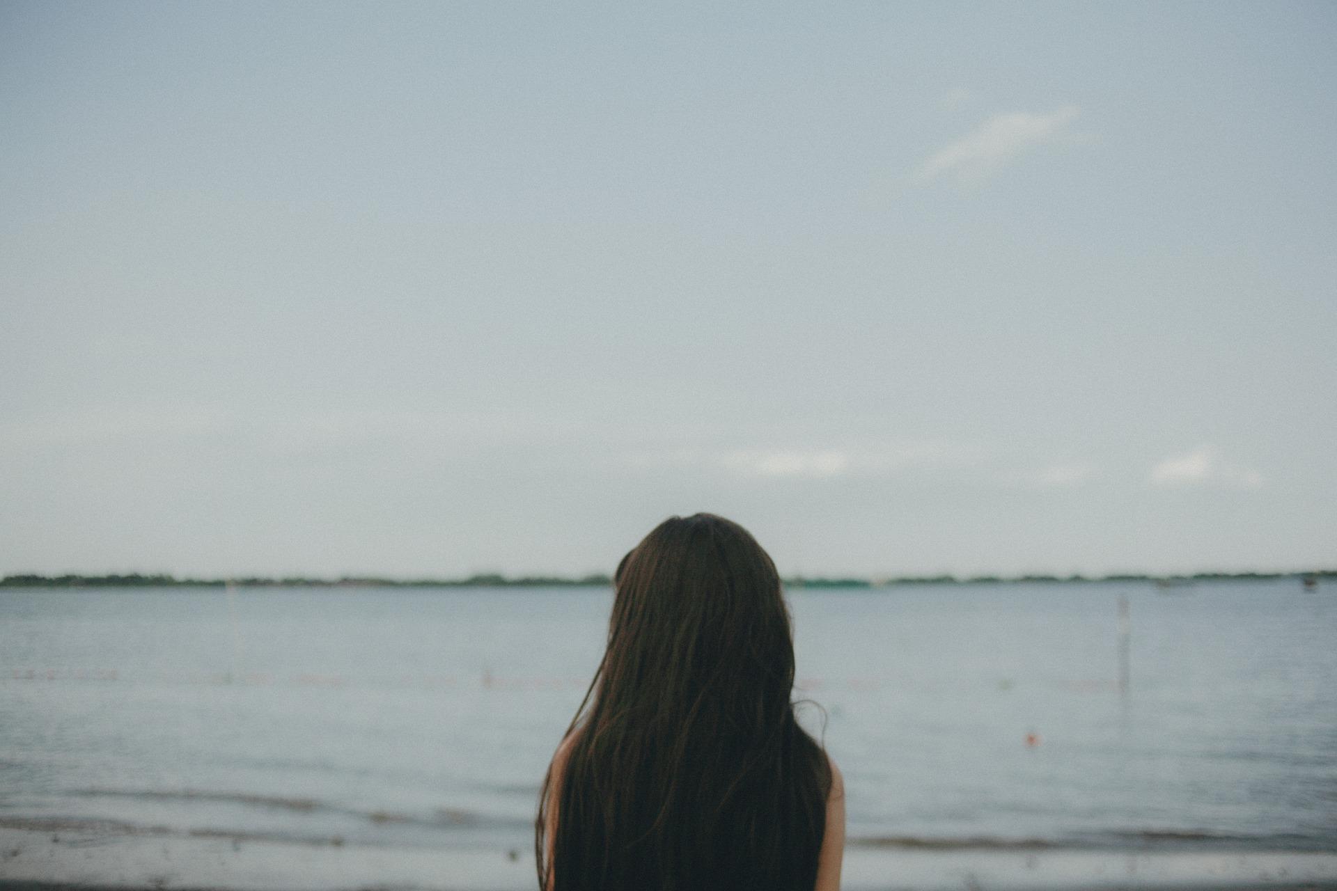 Megtanulhatunk függetlenedni mások véleményétől, s bízni saját igazunkban. -