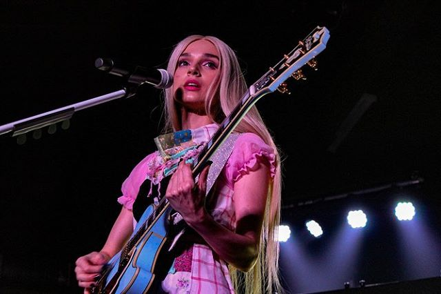 Is Poppy a real girl? Check out Nicole's photos and review from Poppy and Flint Eastwood's show in Nashville! (more photos - link in bio!) • 📷: @nicolejuliette1