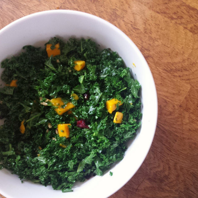 Kale Mango Salad with Lemon Vinaigrette