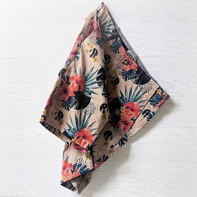 One of our favourite shorts of the season 😍 @bensonapparel Perfect to match with a red, blue, yellow or even a green shirt. We love a little floral print this time of the year 🌺