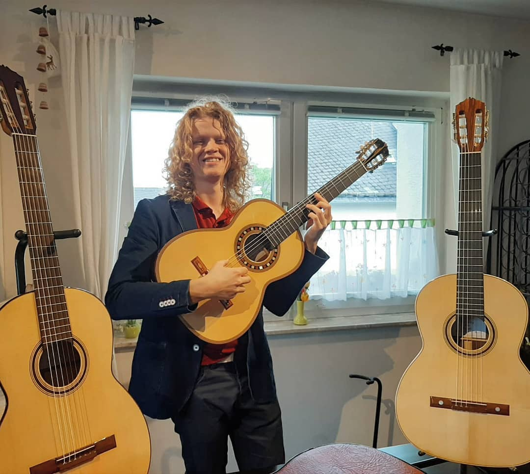 3 Den Toom Luthier guitars i brought with me.