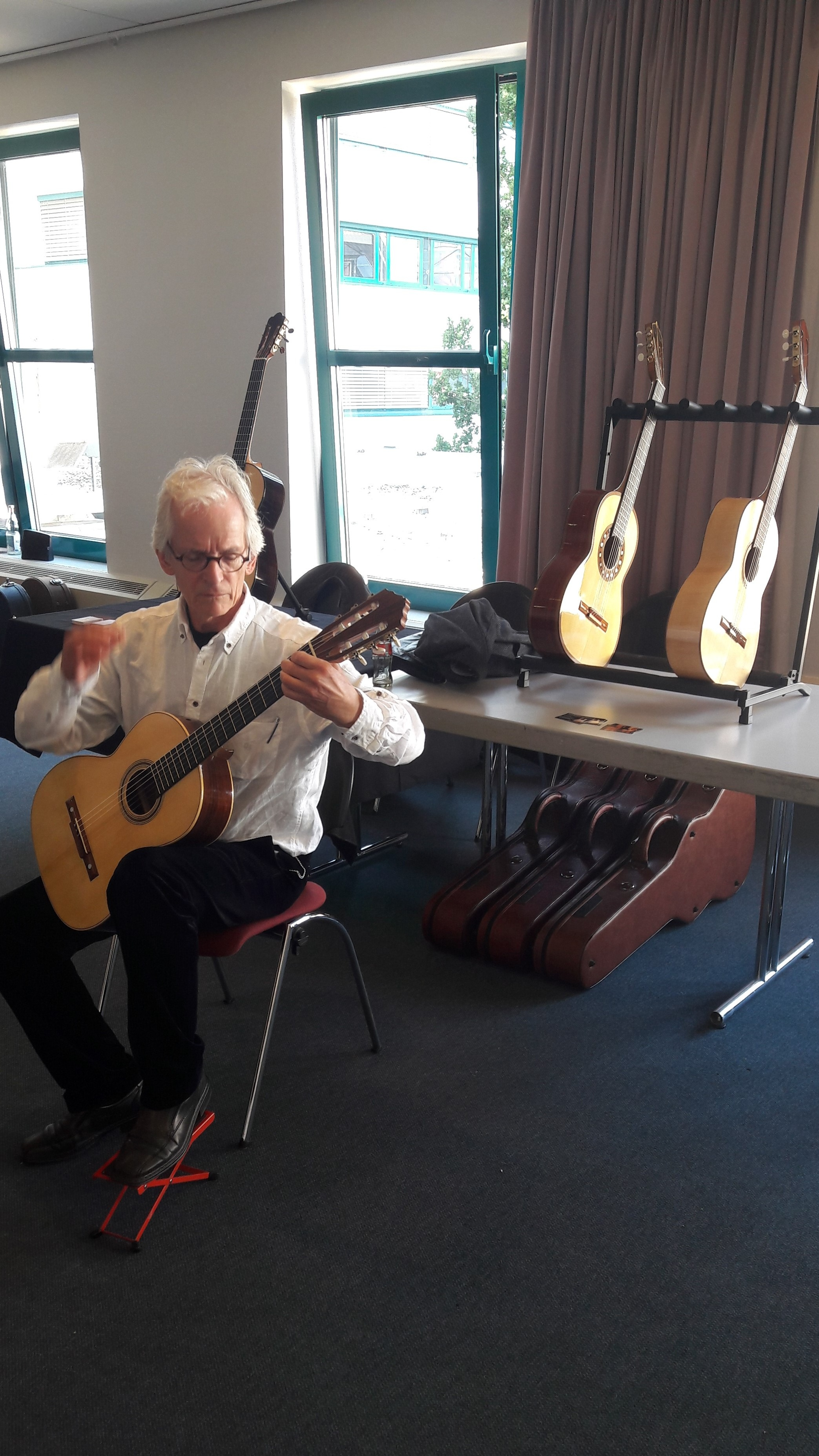 Hans Wilhelm Kaufmann trying my guitars.