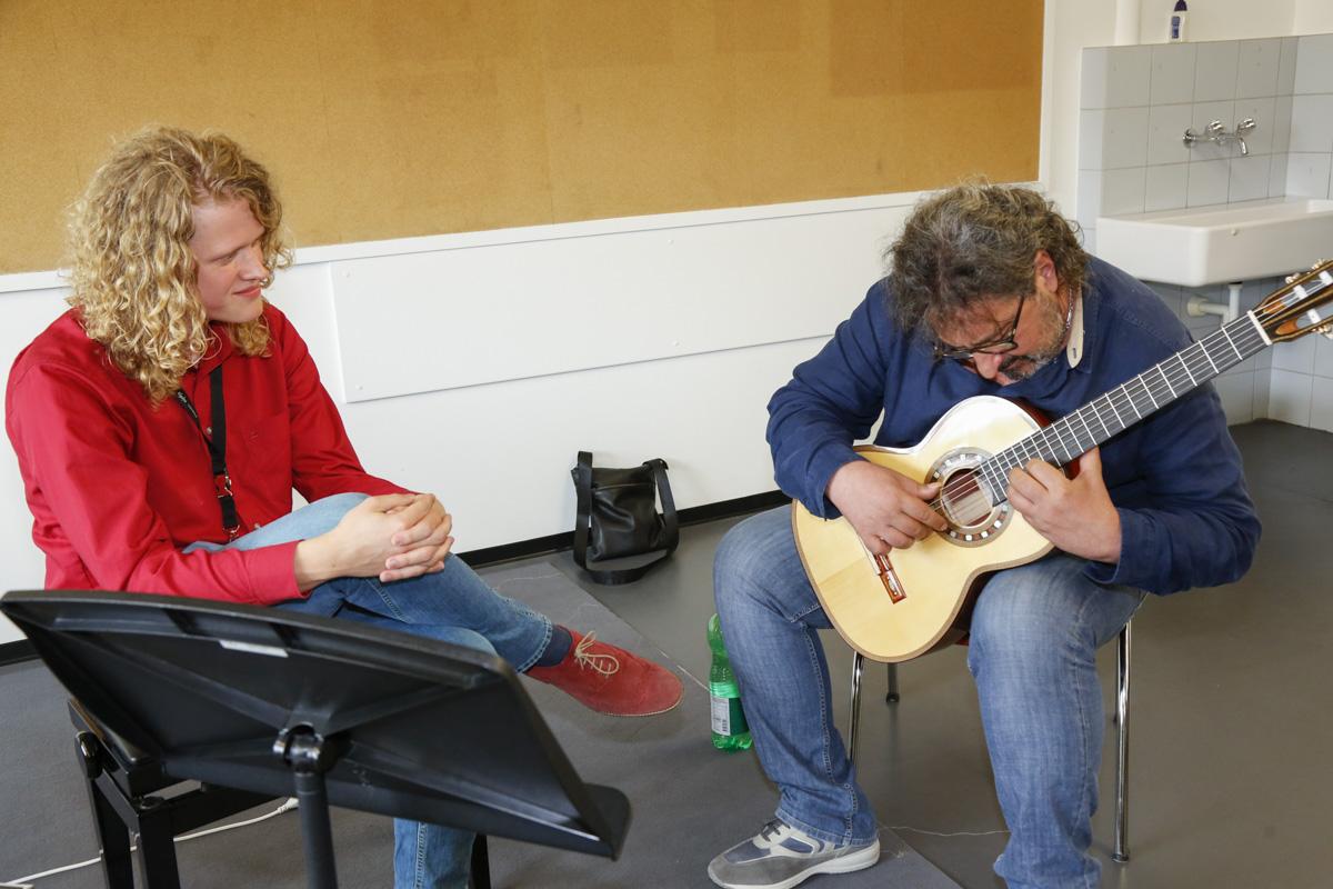 "Presenting Maestro Aniello Desiderio with Den Toom luthier guitar ""Ilona"""