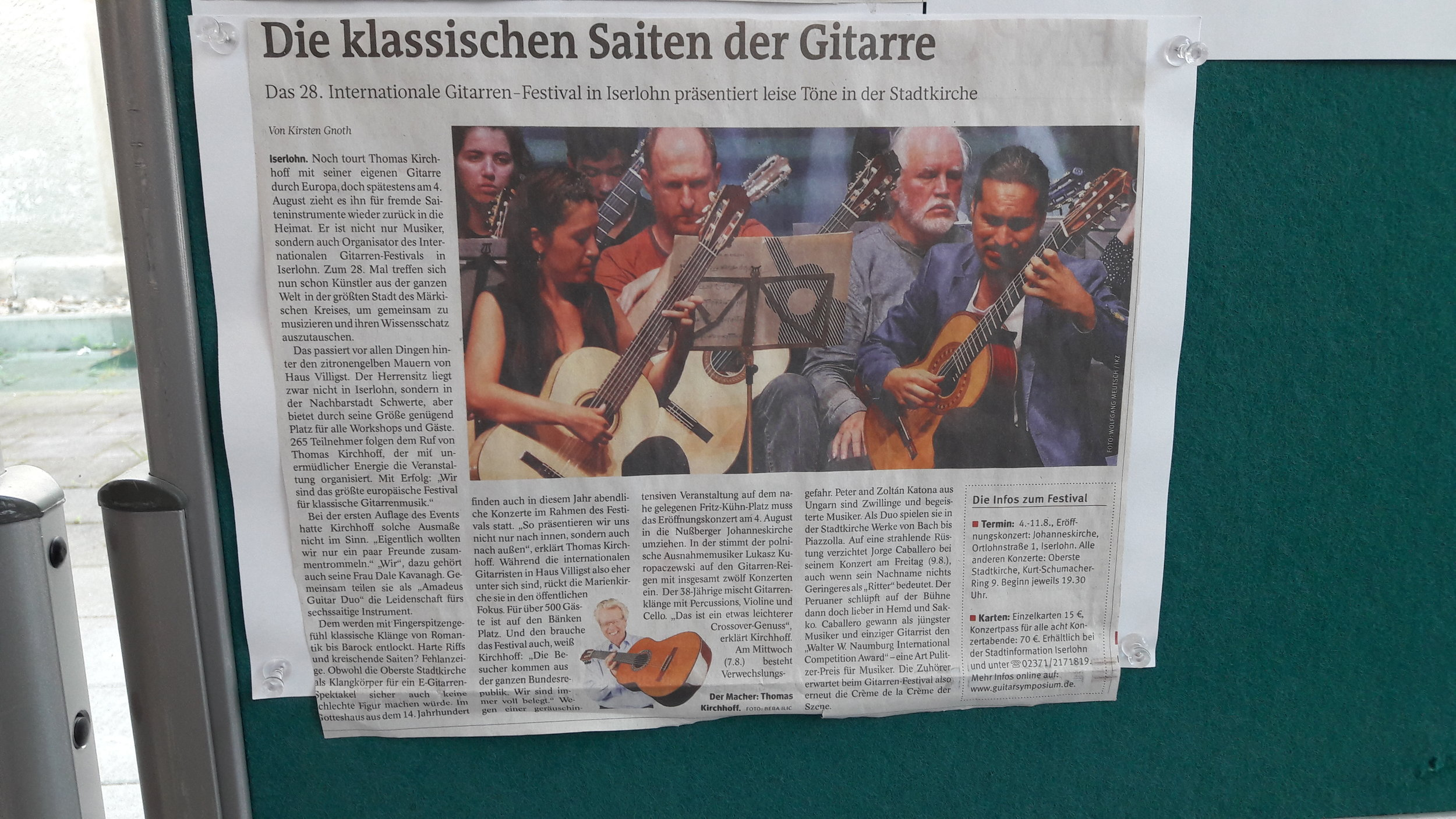 Westfalenpost frontpage newspaper feature with Cruz and Souper duo from Chili playing Den Toom Luthier guitar in Iserlohn guitar festival 2018.