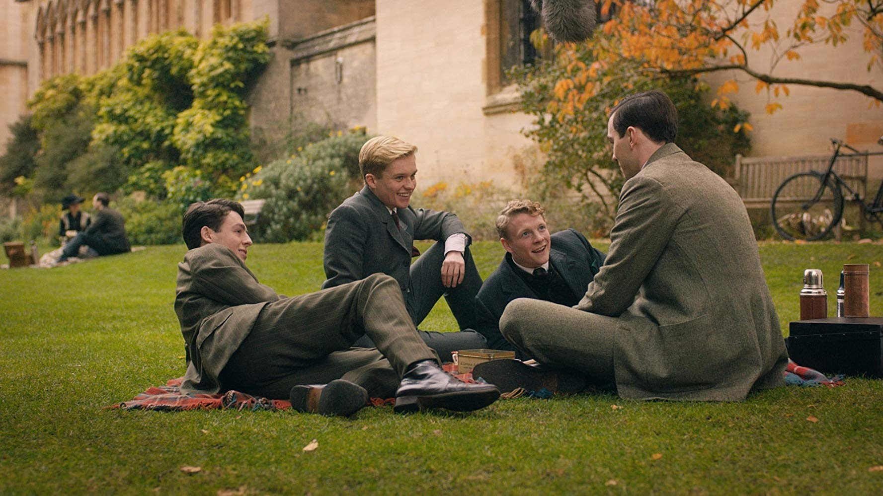 Tolkien-Biopic-Tokien-and-Friends.jpg