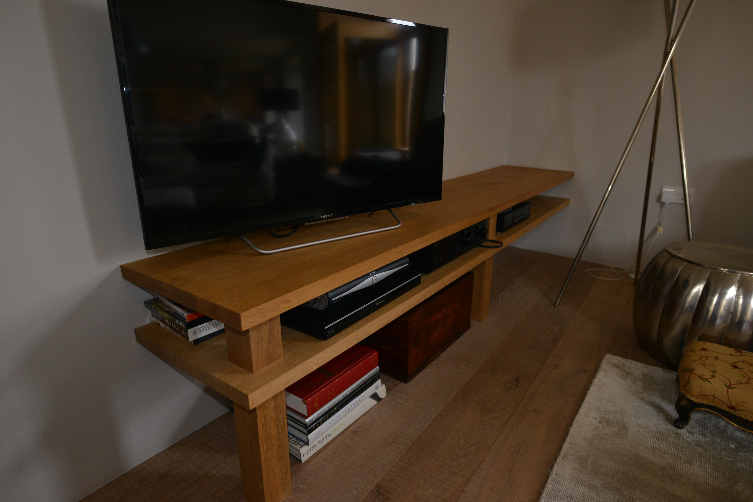 TV and HiFi unit in European oak