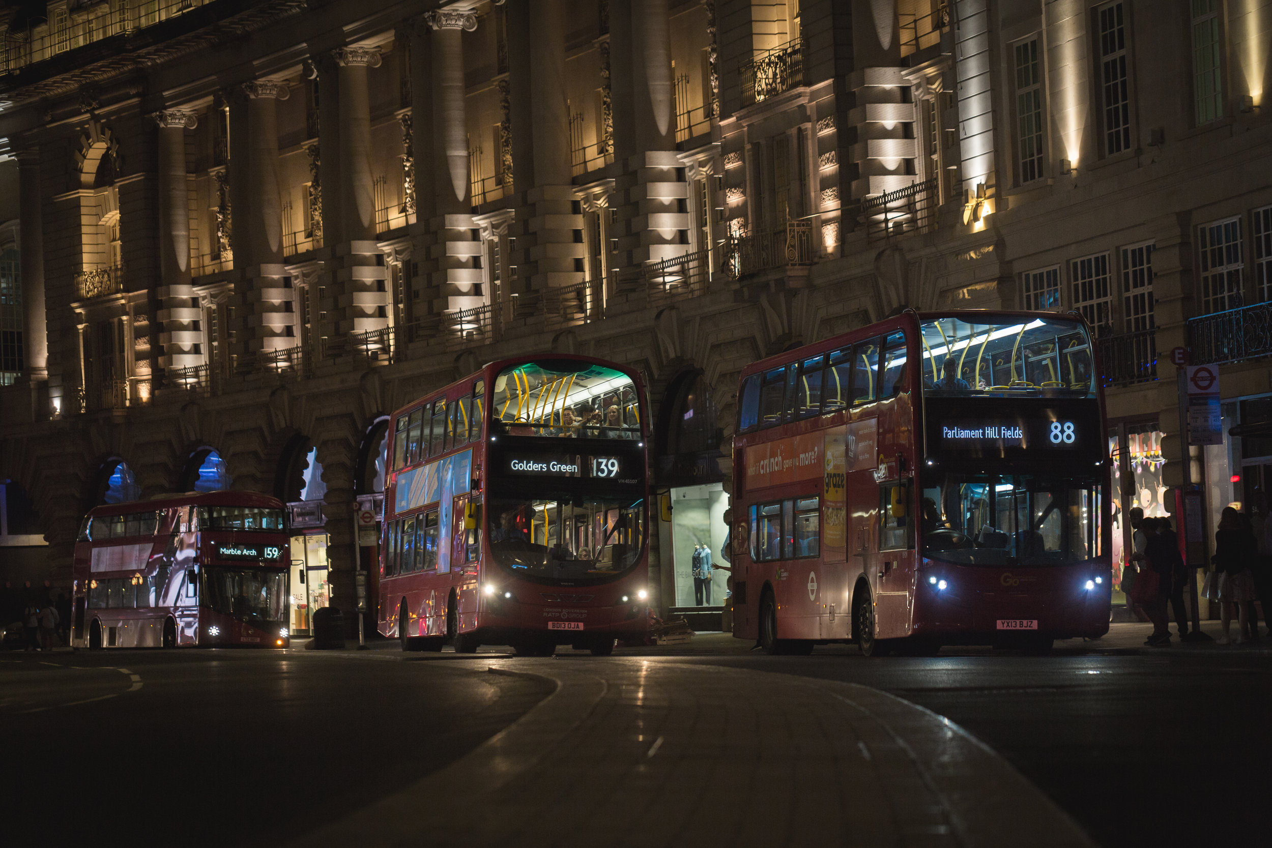 Fellows' transit passes give them unlimited access to public transportation in the city center, including via London's iconic and efficiency double-decker buses.