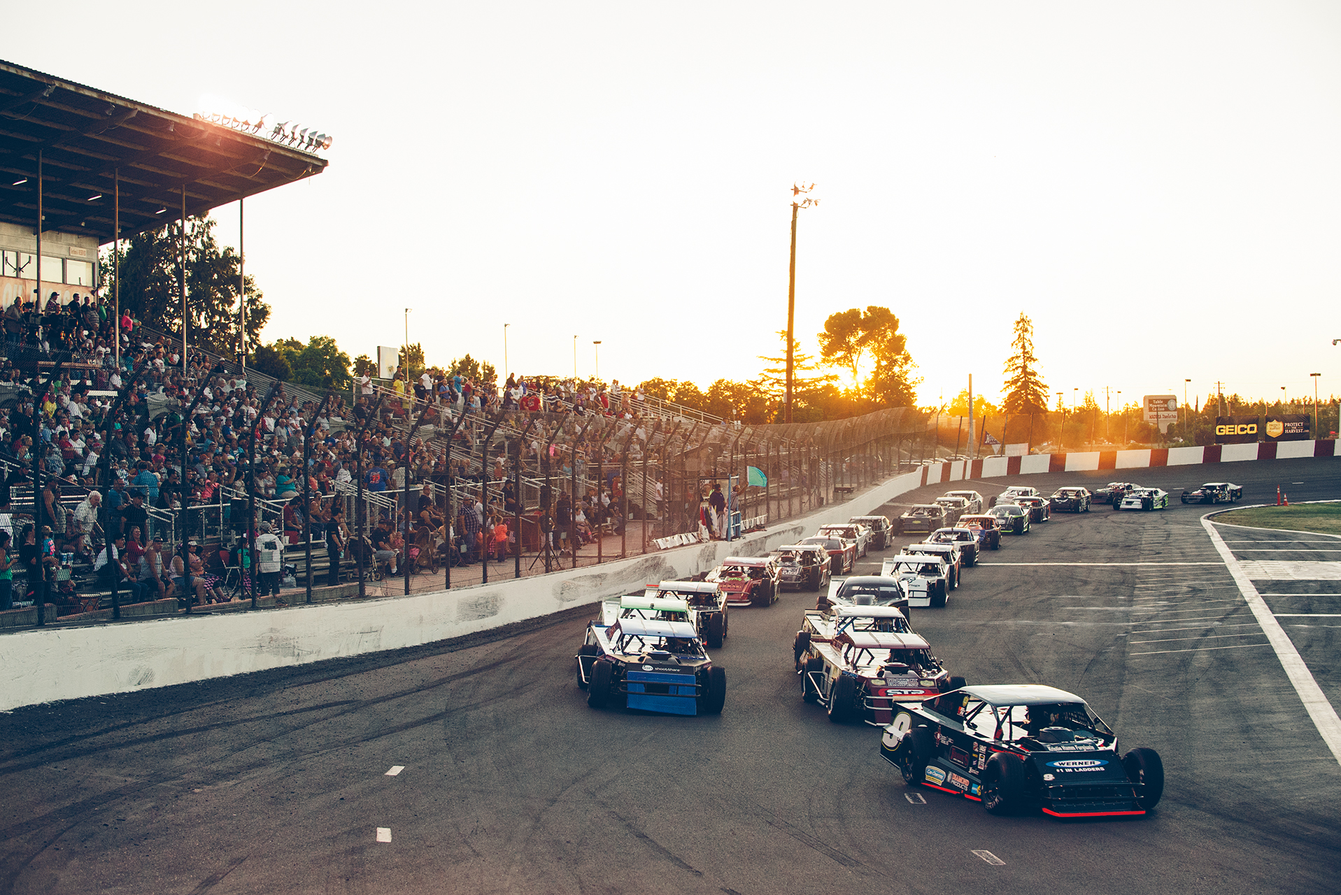 The mighty modifieds get the green flag at Madera.