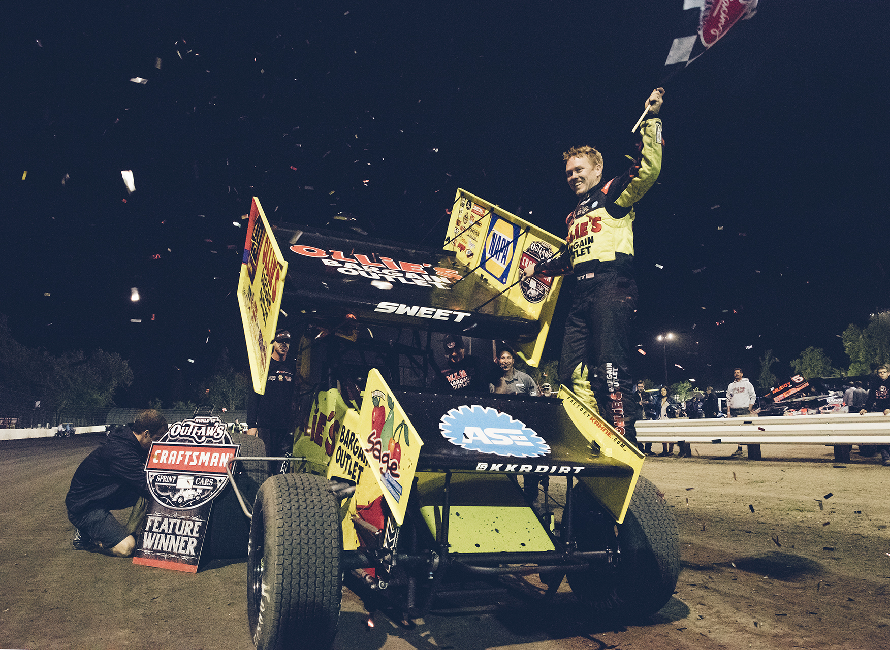 Sweet picks up victory number five of 2017 at Calistoga Speedway.