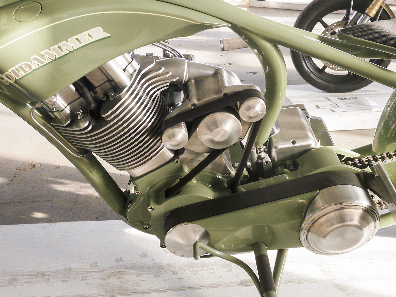 Super clean blown single made from a Twin-Cam Evo engine by Roger Goldammer. This is art and craftsmanship at a very high level. The bike defies classification.