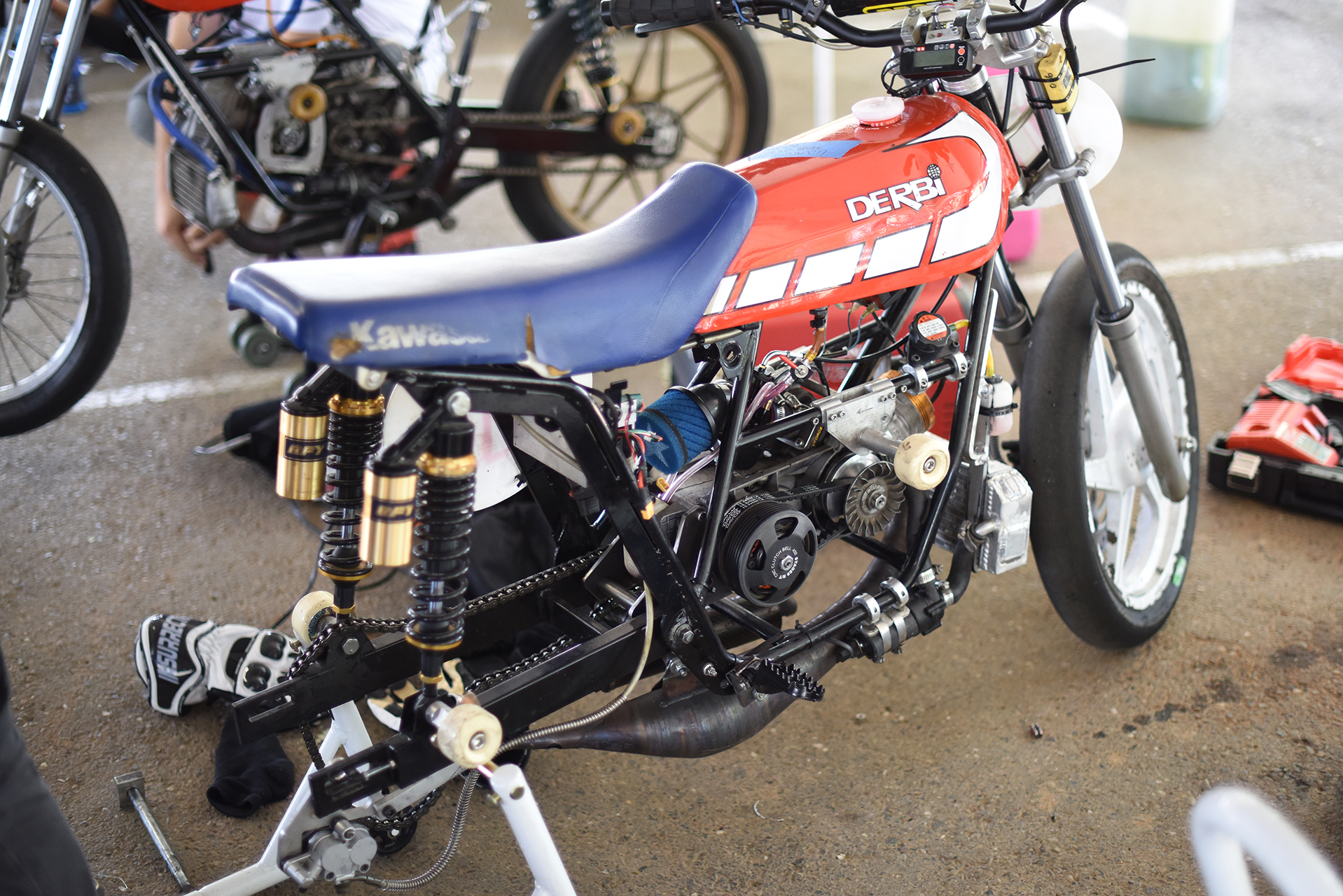 Shannon Hall brought two of these trick Derbis down from Seattle to race with his girlfriend Marly Simpkins. The frame is from a small Derbi dirt bike and the engine is running an 80cc top end. Very rapid kit.